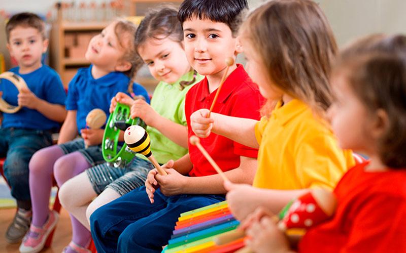 A importância do ensino musical para crianças na escola